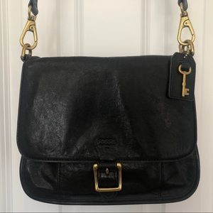 Black Fossil Crossbody with adjustable strap!